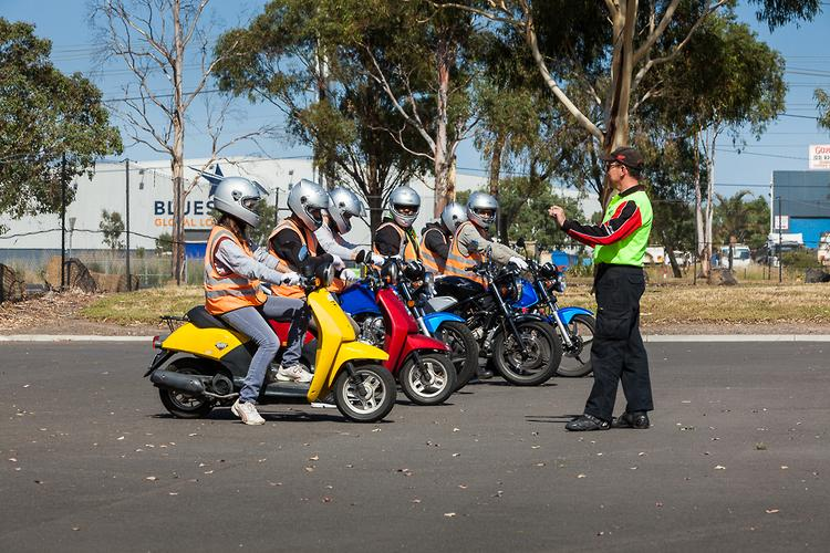 The LAMS framework itself limits learner (L-plate) and provisional (P-plate) motorcycle licence holders to certain models. While there are small differences ... & FAQ: Which learner bike is best? - www.bikesales.com.au