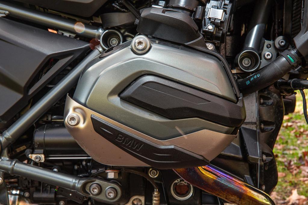 BMW R 1200 R Exclusive review - www bikesales com au