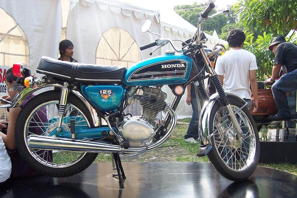 2018 Honda CB125E review - www bikesales com au