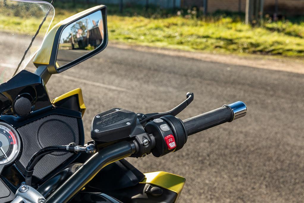2018 BMW K 1600 B Grand America review - www bikesales com au