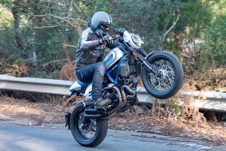 2019 Ducati Scrambler 800 Café Racer review