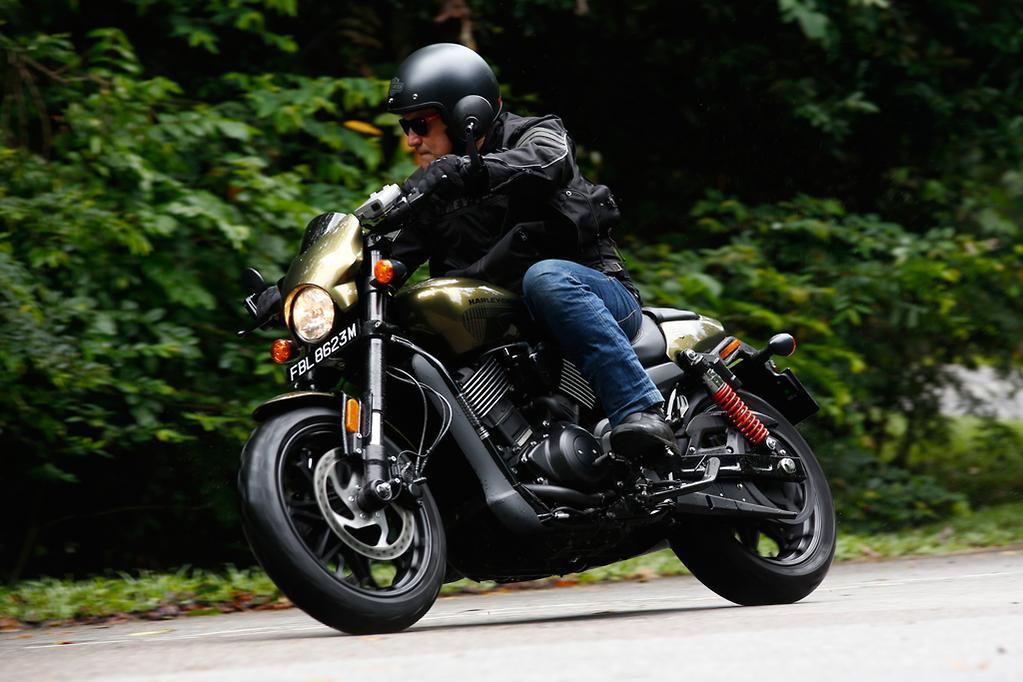 2017 Harley-Davidson Street Rod launch review - www.bikesales.com.au