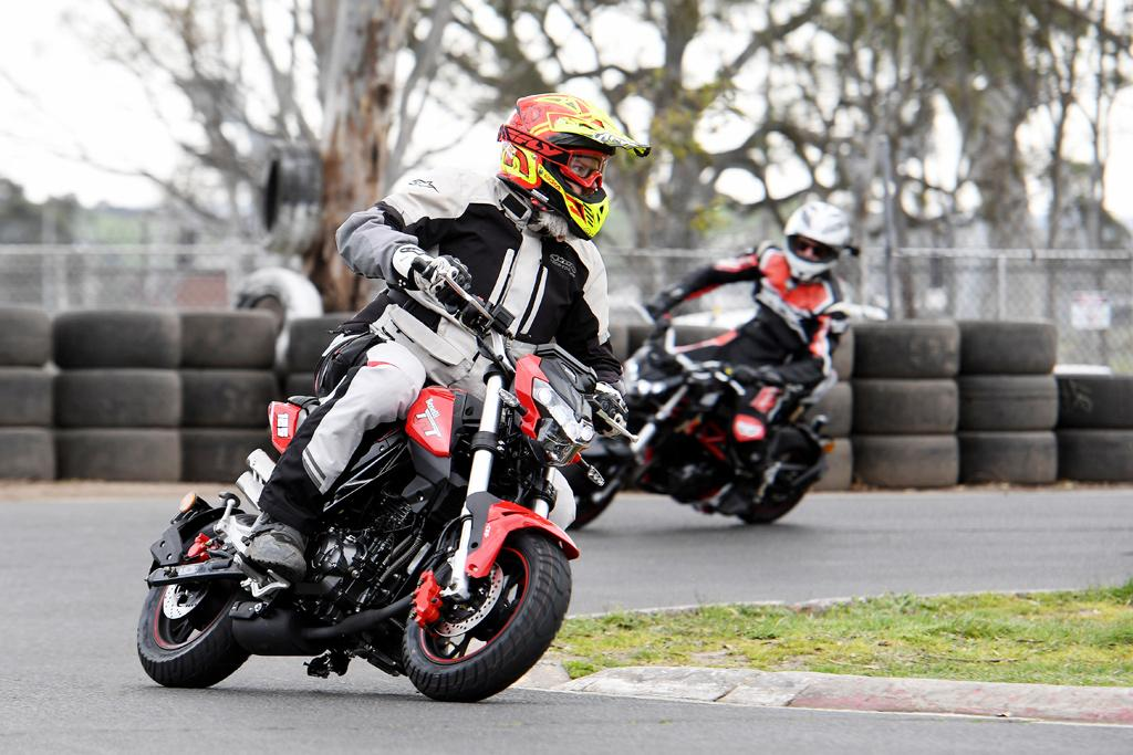2017 Benelli TnT 125 launch review - www bikesales com au