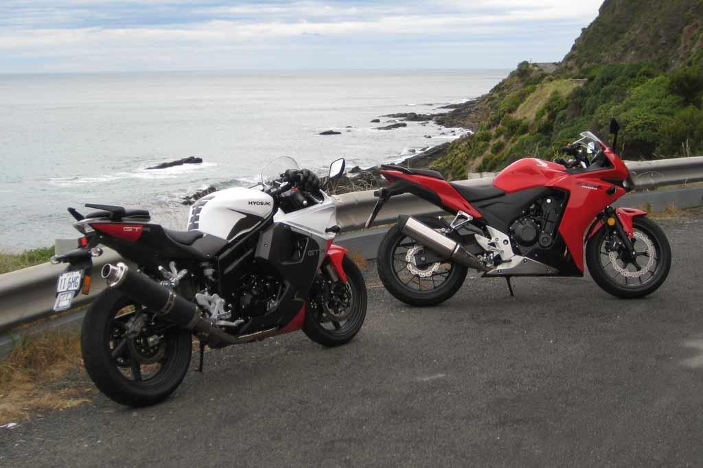 Honda CBR500R vs Hyosung GT650R EFI - www bikesales com au