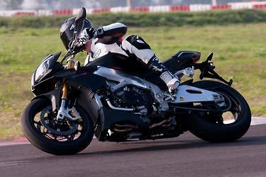 Aprilia Tuono v Ducati Monster v Triumph Speed Triple - www