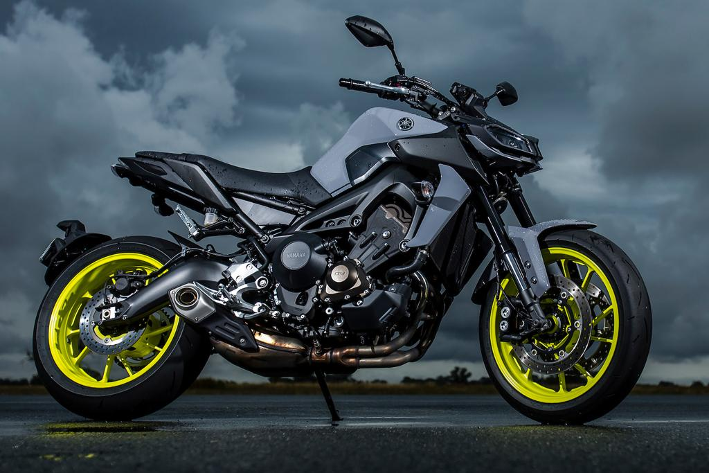 2017 yamaha mt 09 launch review. Black Bedroom Furniture Sets. Home Design Ideas