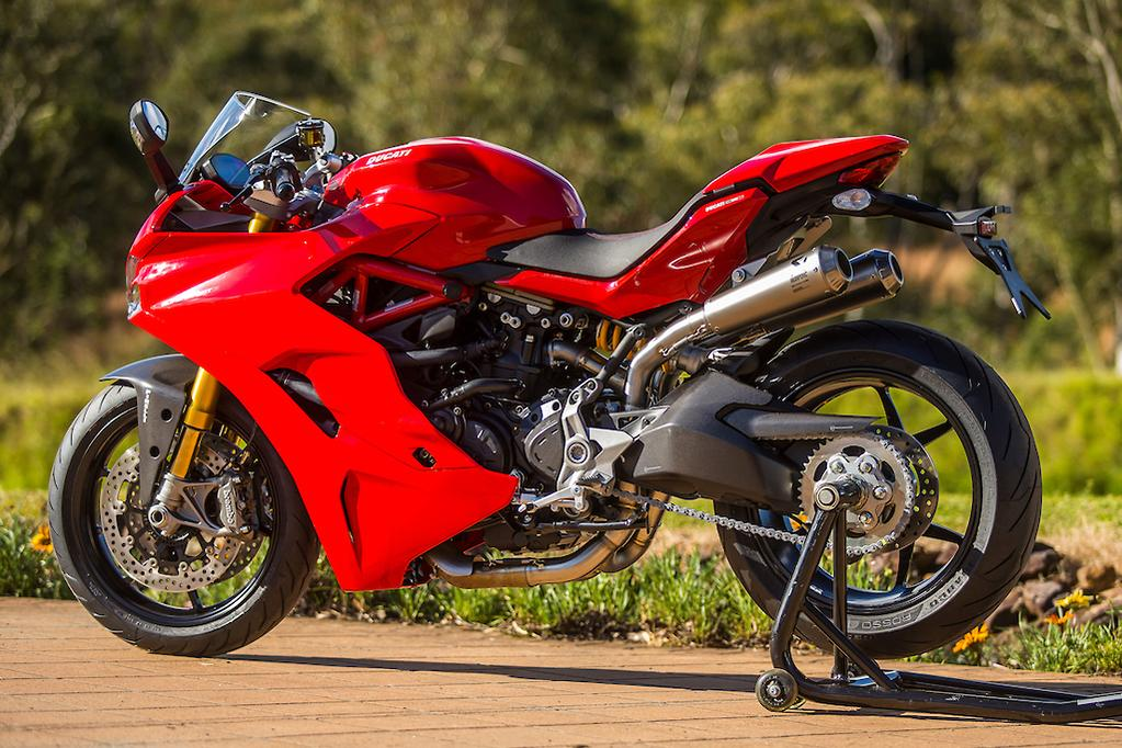 2017 ducati supersport and supersport s launch review. Black Bedroom Furniture Sets. Home Design Ideas