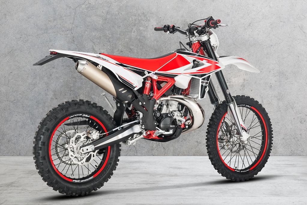 2019 eight-model Beta enduro range - www bikesales com au