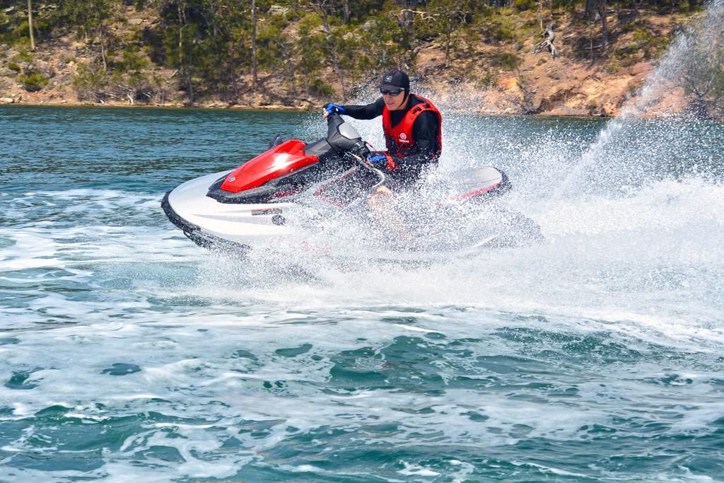 2017 Yamaha WaveRunner EX and EX Deluxe: Watercraft Review