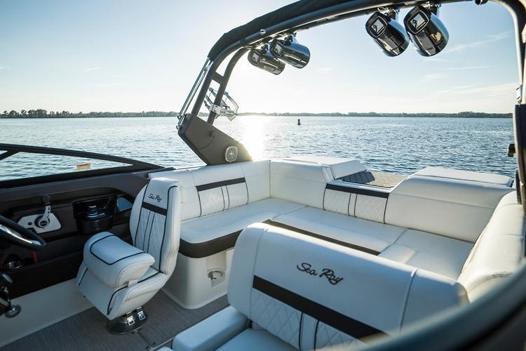 Sea Ray SLX-W 230: Exclusive Review - www boatsales com au