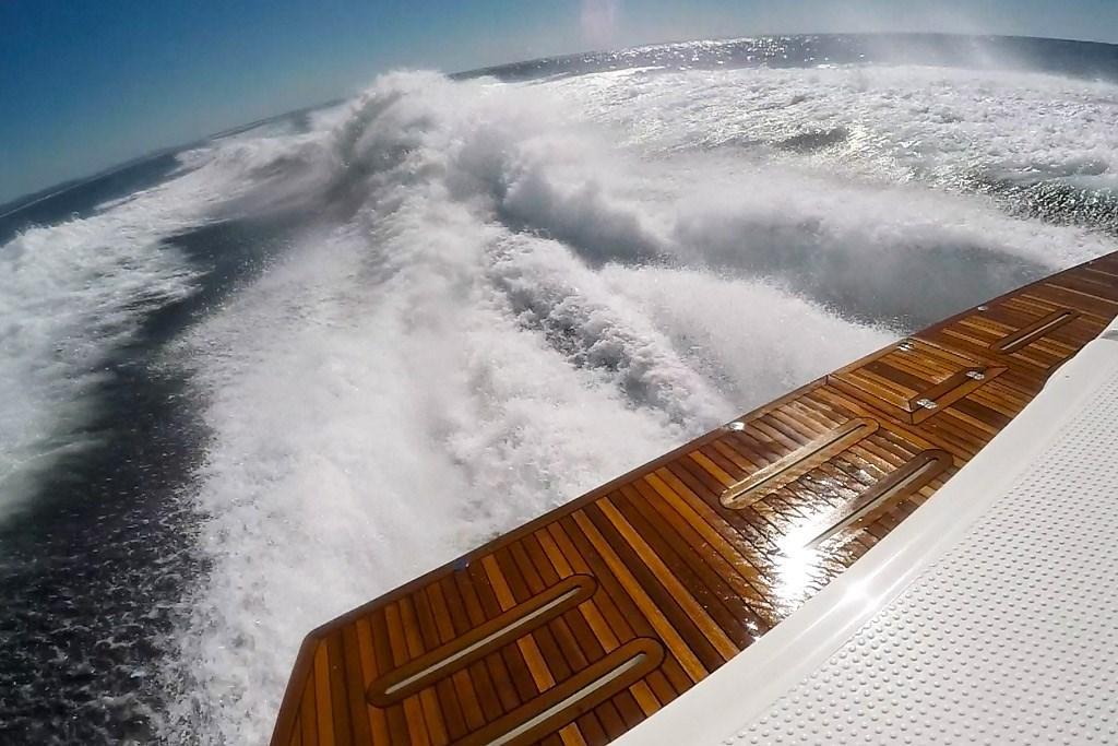 Riviera 68 Sports Motor Yacht: Review - www boatsales com au