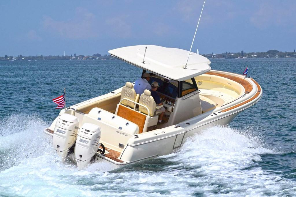 New Chris-Craft Catalina 30 centre console has a 'pilothouse