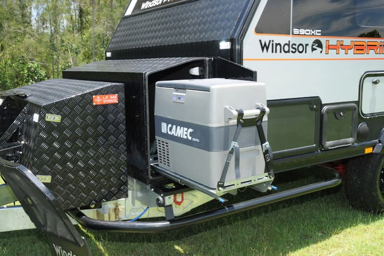 First look: Windsor Hybrid XC390 - www caravancampingsales