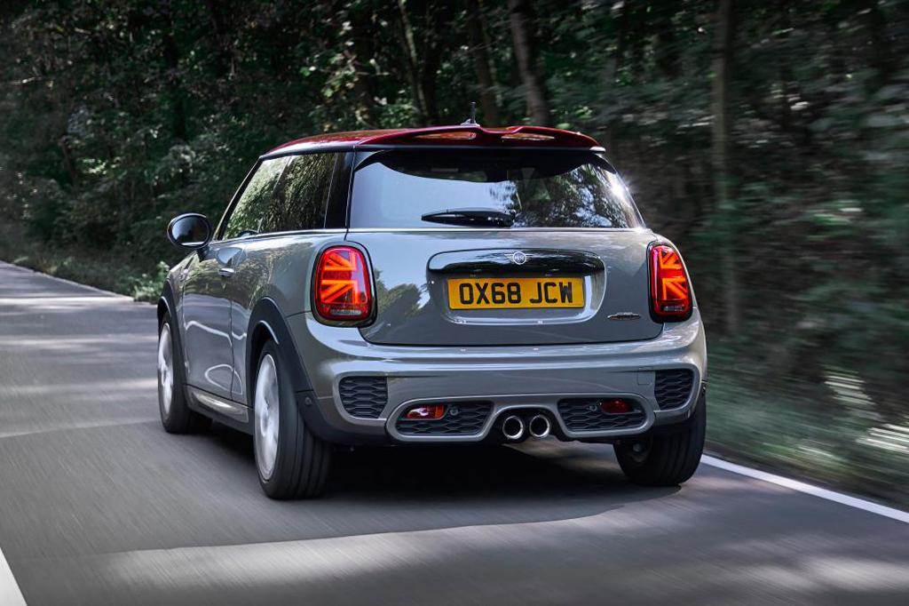 Mini Jcw Hatch And Convertible To Return Wwwcarsalescomau