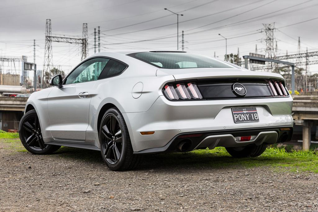 Ford Mustang Ecoboost Fastback 2016 Review Carsales Com Au