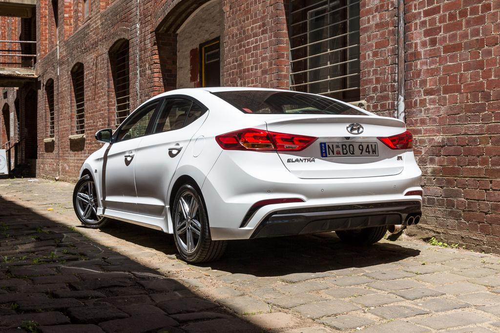 Hyundai Elantra Sr Turbo 2017 Review Www Carsales Com Au