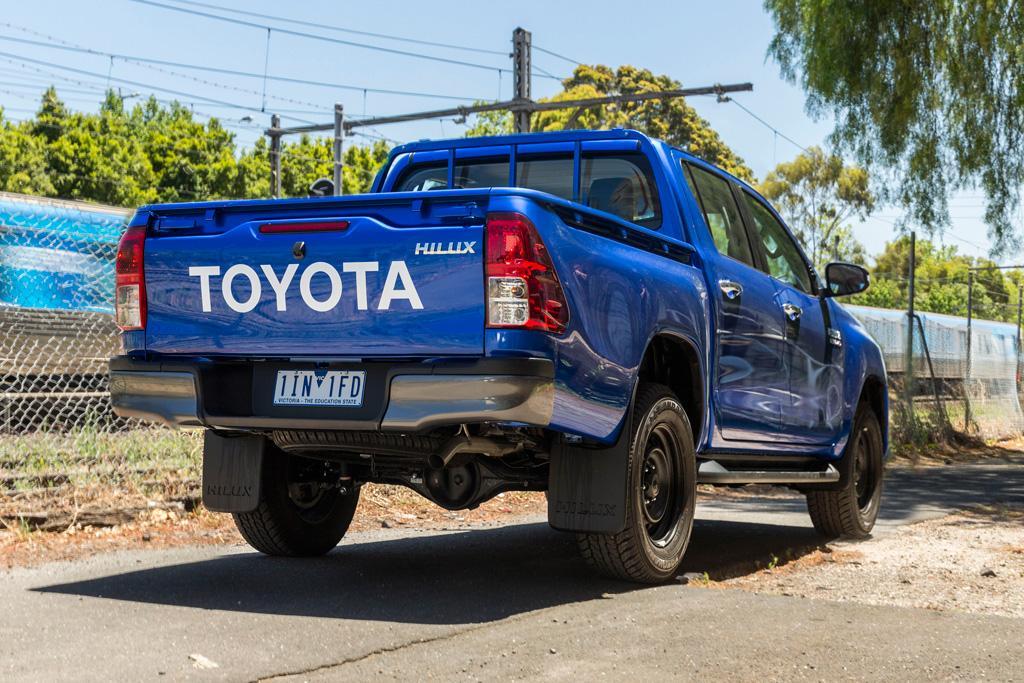 Toyota HiLux 2017 Review - www carsales com au