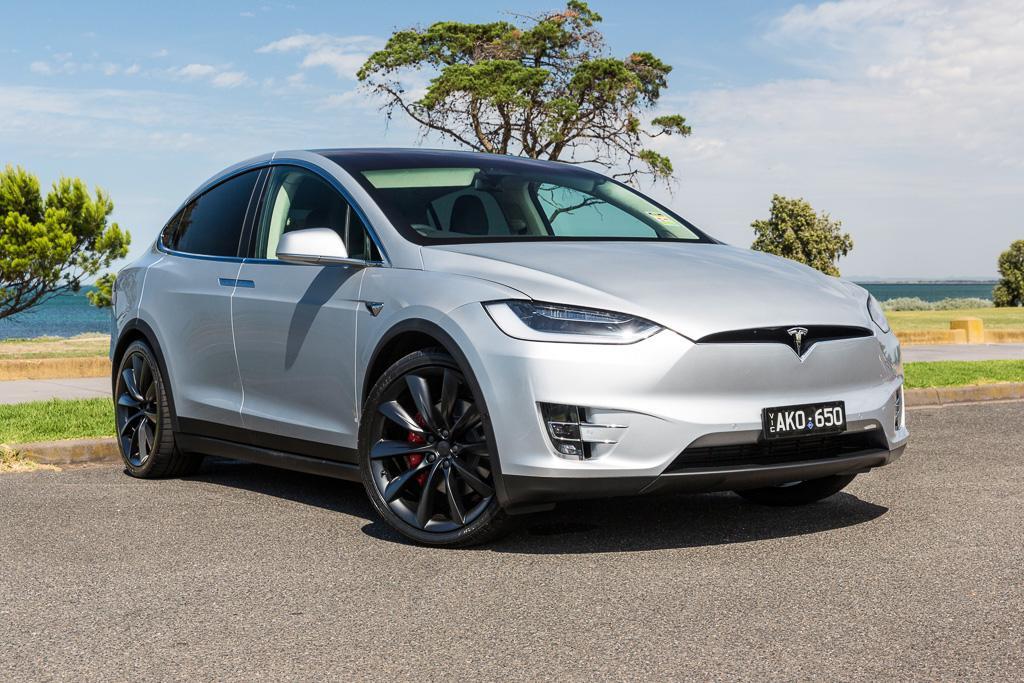 Tesla Model X 2017 Review