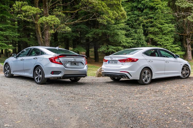 Honda Civic RS V Hyundai Elantra SR Turbo 2017 Comparison    Www.carsales.com.au