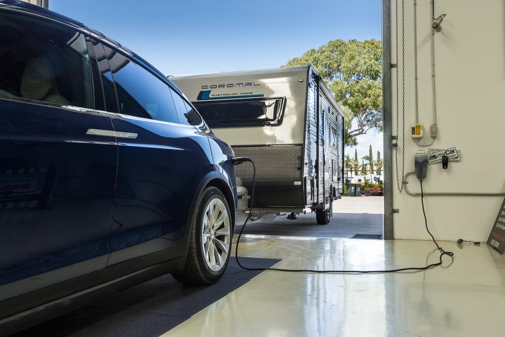 Cars By John Munro >> Tesla Model X 2017 Tow Test Www Carsales Com Au