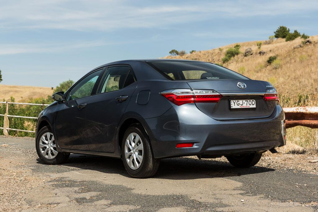 Toyota Corolla 2017 Review