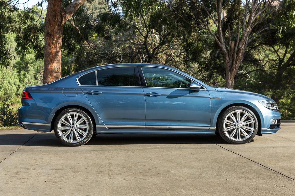 Volkswagen Passat 2017 Review - www carsales com au