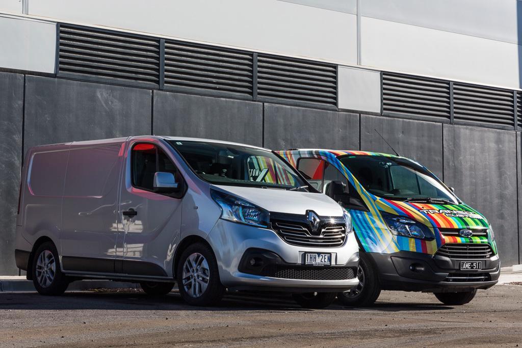 76b399776a Ford Transit Custom v Renault Trafic 2017 Comparison - www.carsales ...