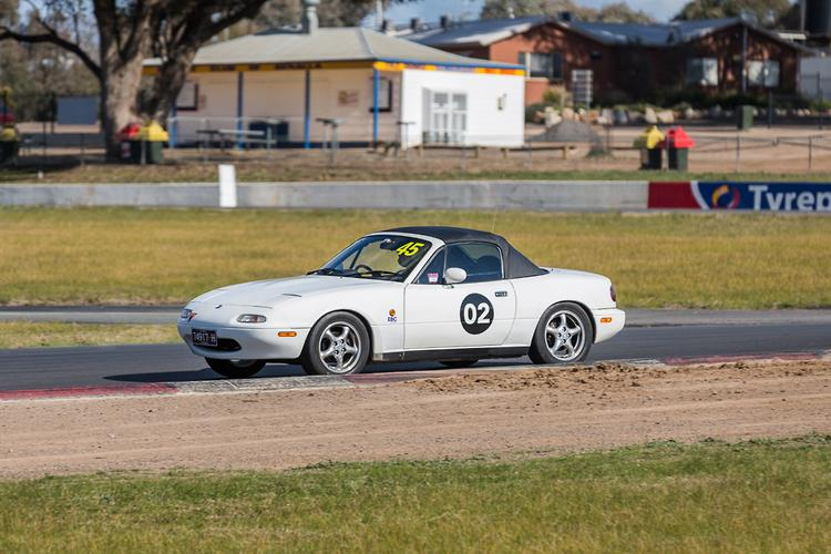 Project Miata heads to the track - www carsales com au