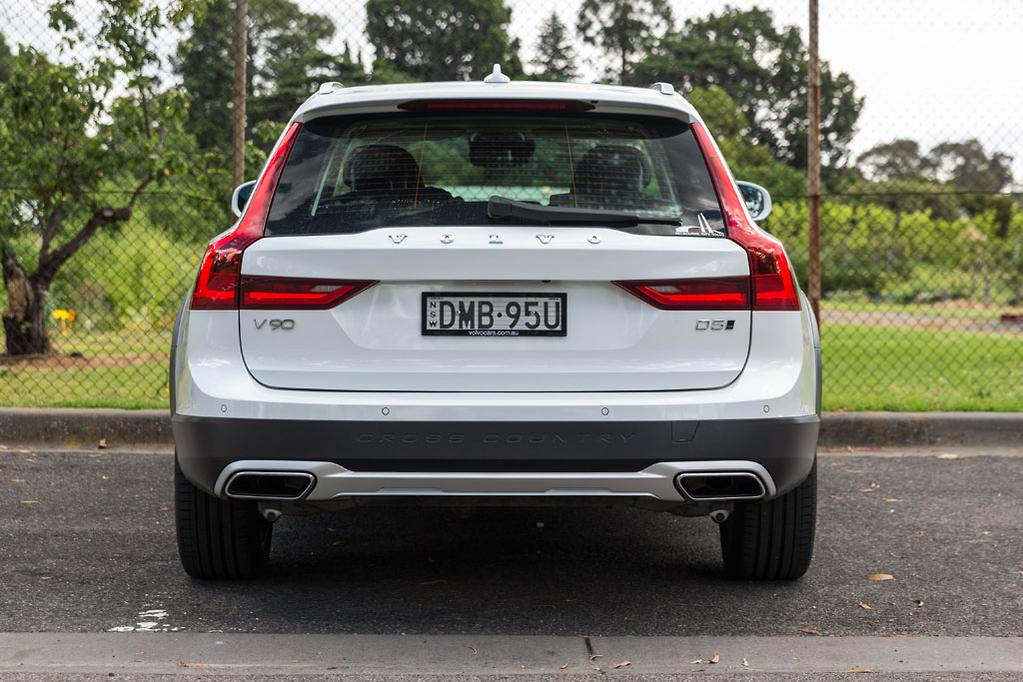 Volvo V90 Cross Country 2017 Review - www carsales com au