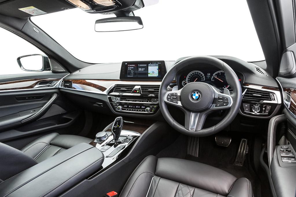 BMW 5 Series Touring 2018 Review - www carsales com au