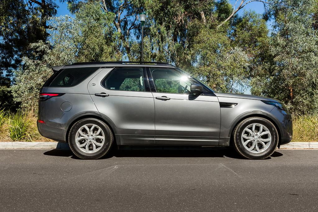 Land Rover Discovery 2018 Review - www carsales com au
