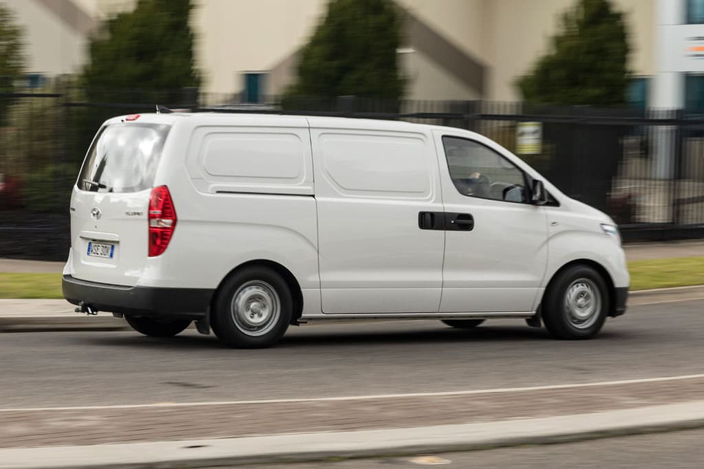Hyundai iLoad 2018 Review - www carsales com au