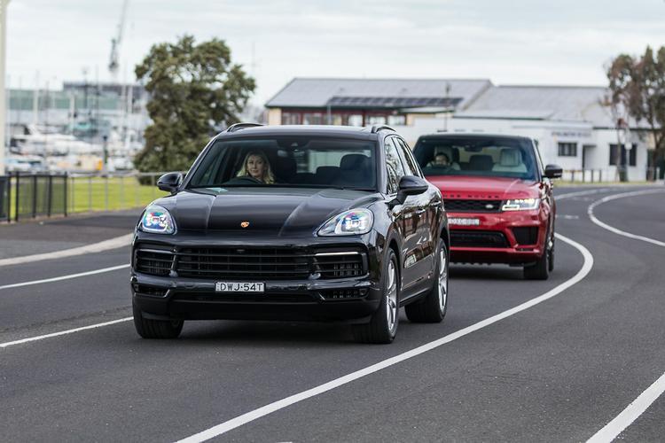 Range Rover Sport HSE v Porsche Cayenne S 2018 Comparison - www