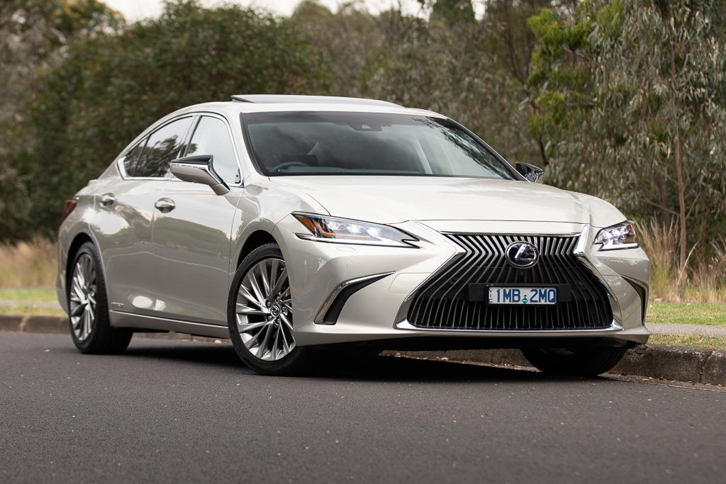 Lexus Es 300h Sports Luxury 2018 Review