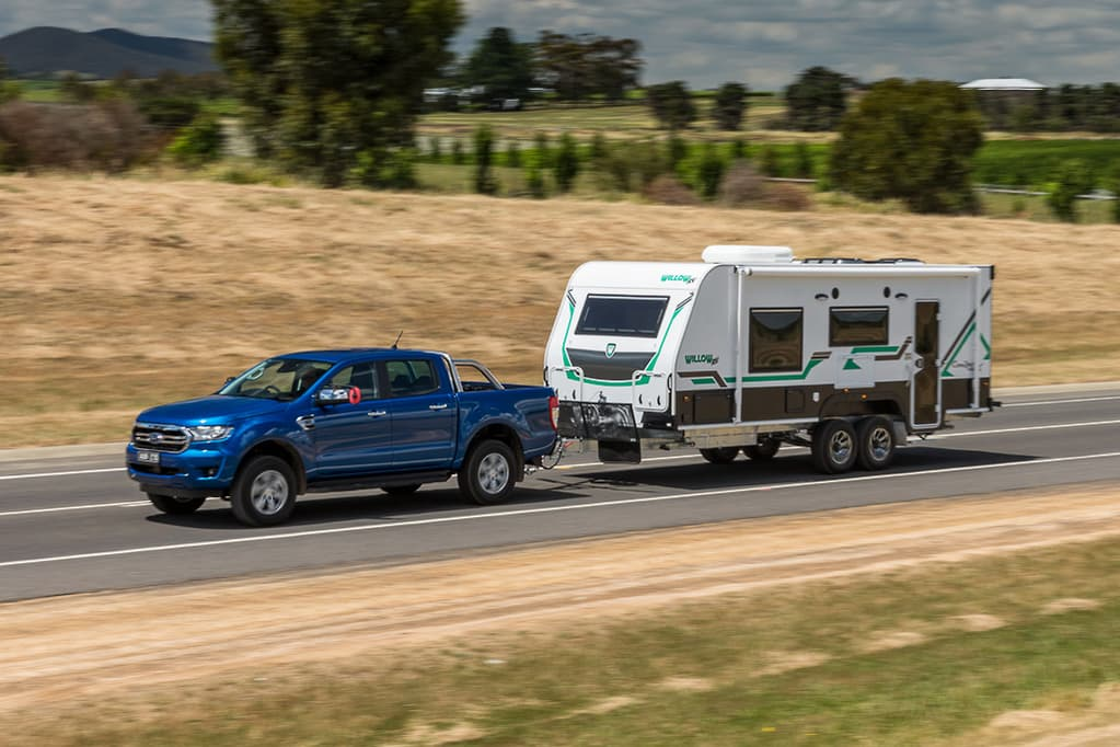 Ford Ranger 3 2 v Ford Ranger 2 0 Bi-Turbo 2019 Comparison - www