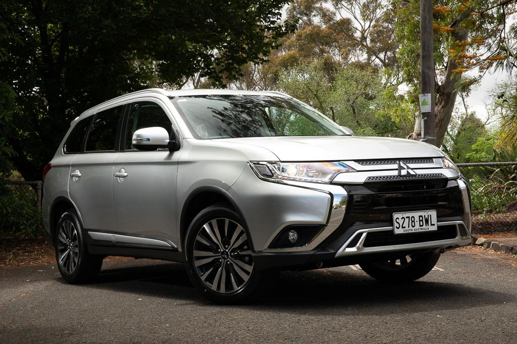 Mitsubishi Outlander 2019 Review Www Carsales Com Au