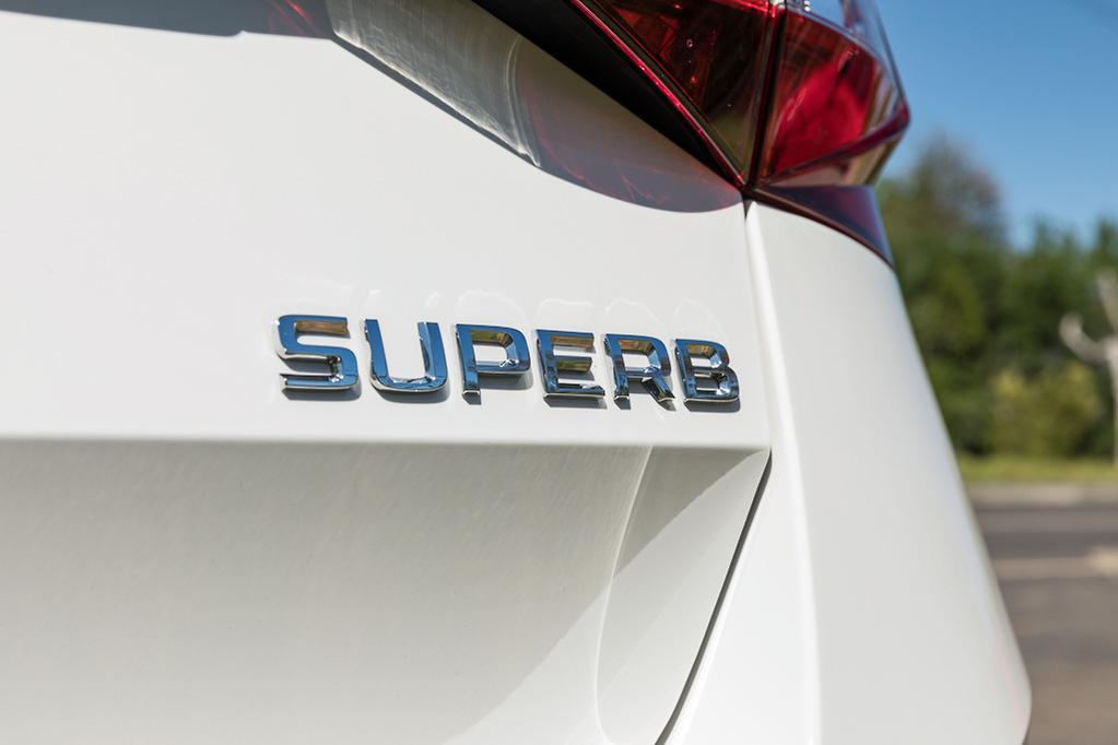 Skoda Superb 162TSI 2019 Review - www carsales com au