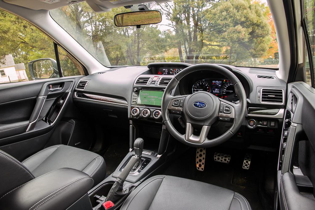 Jeep Compass Trailhawk v Subaru Forester 2018 Comparison