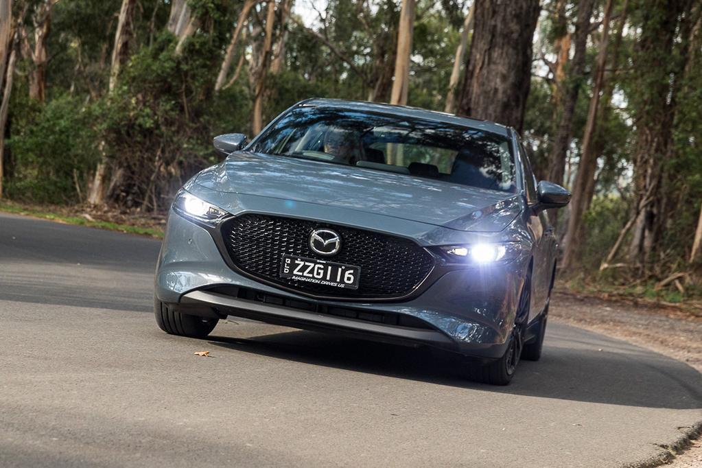 Hyundai i30 N-Line Premium v Mazda3 G25 Astina 2019 Comparison - www