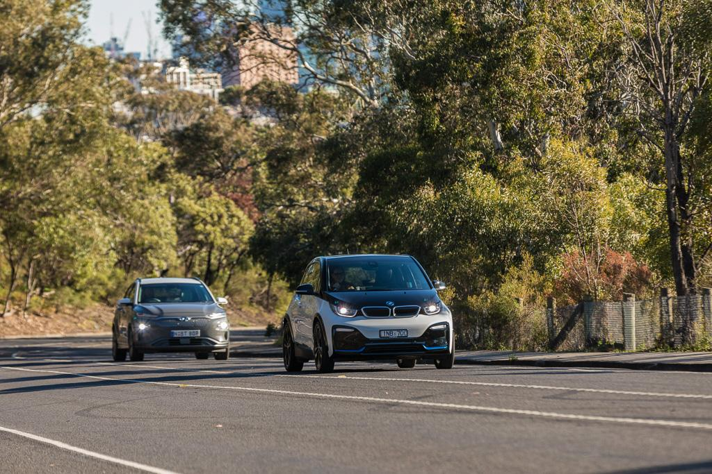 BMW i3 v Hyundai Kona Electric 2019 Comparison - www