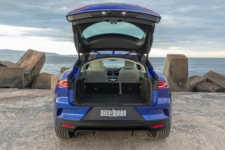 Jaguar I-PACE 2019 Review