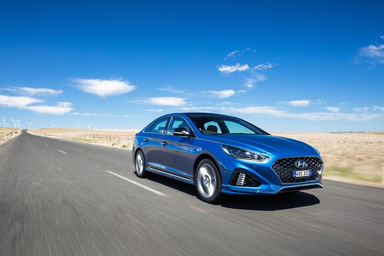 Enter The Facelifted Hyundai Sonata Available In Showrooms From November Korean Line Up Has Been Pared Back Three Models To Two Active And