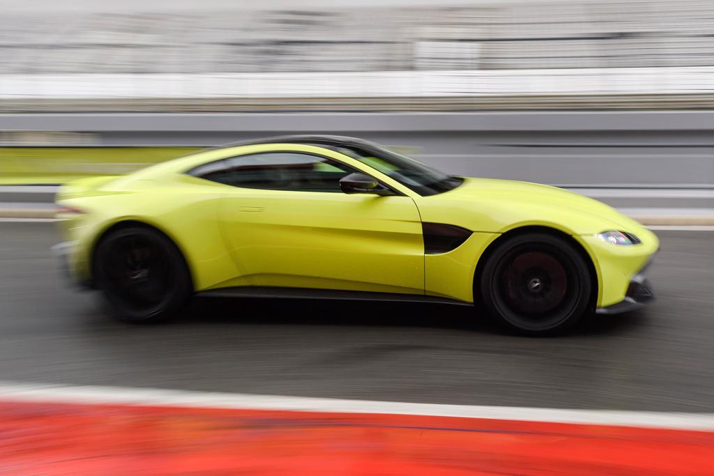 Aston Martin Vantage Review Wwwcarsalescomau - 2018 aston martin vantage