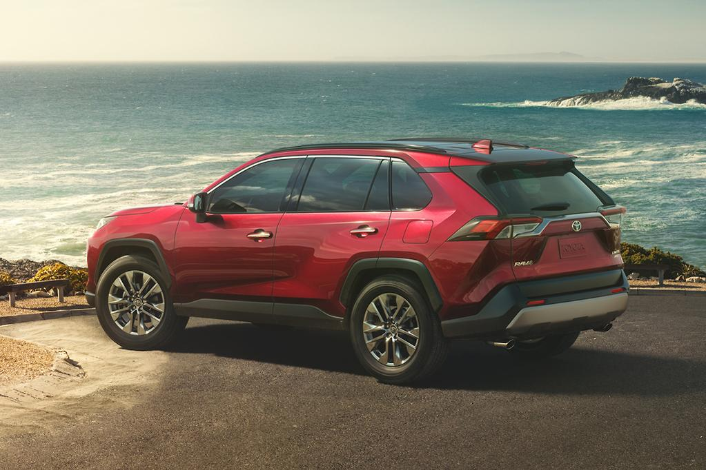 Toyota Rav4 Hybrid Coming To Australia Early 2019 Www Carsales Com Au