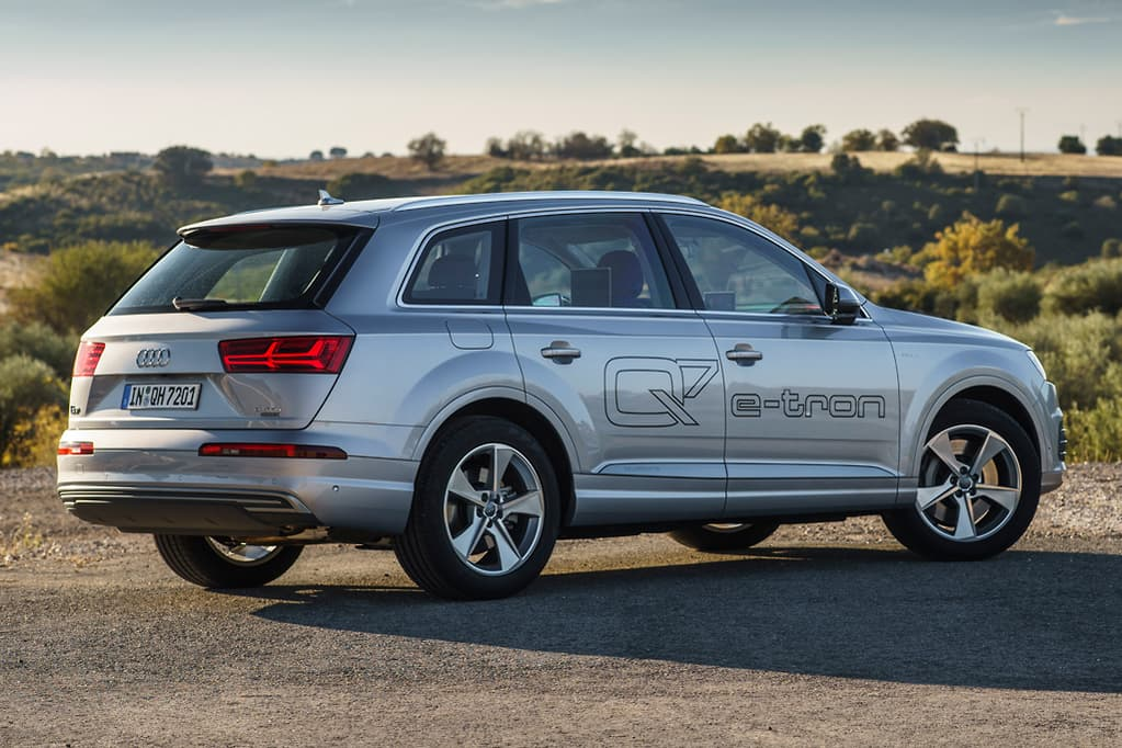 The Audi Q7 E Tron Is Not First Prestige Plug In Hybrid Suv Its Segment With Likes Of Bmw X5 40e 119 900 Mercedes Benz