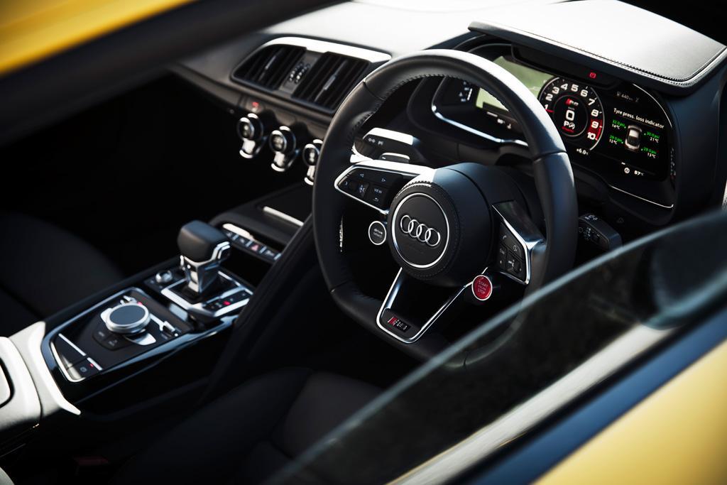 Audi r8 frame crack