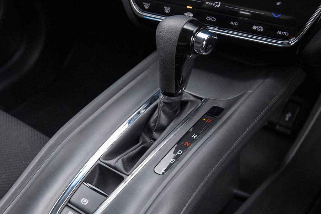 why are manual transmissions faster