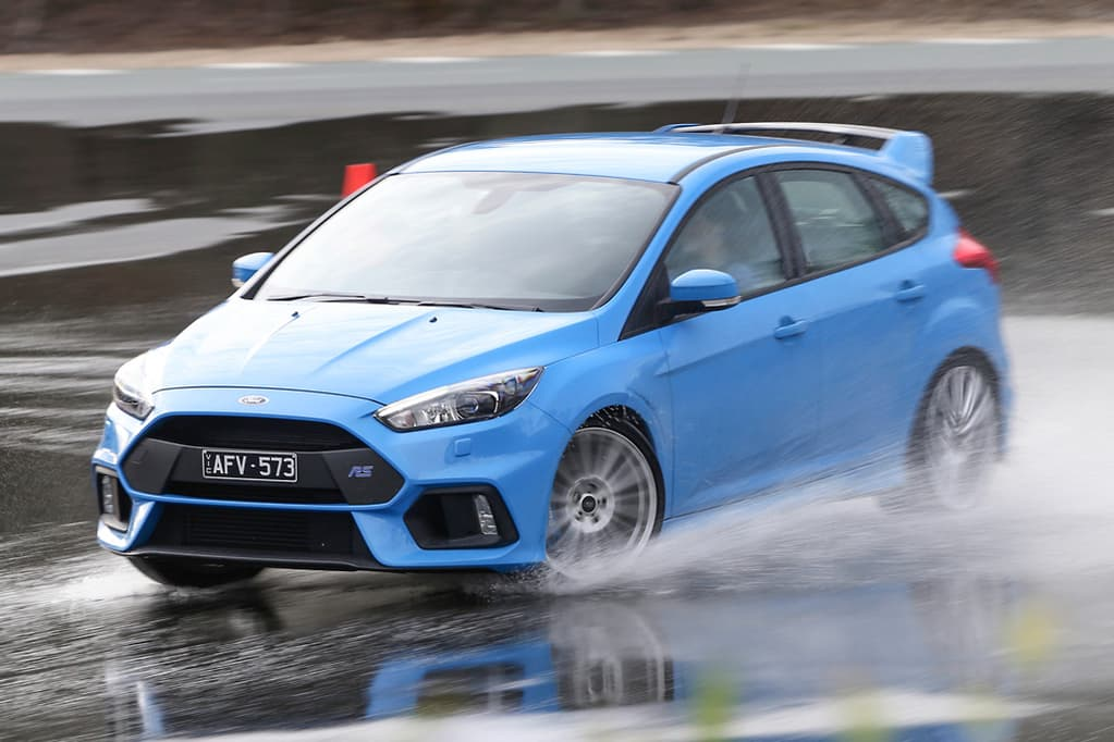 Ford Focus RS 2016 Review - www carsales com au