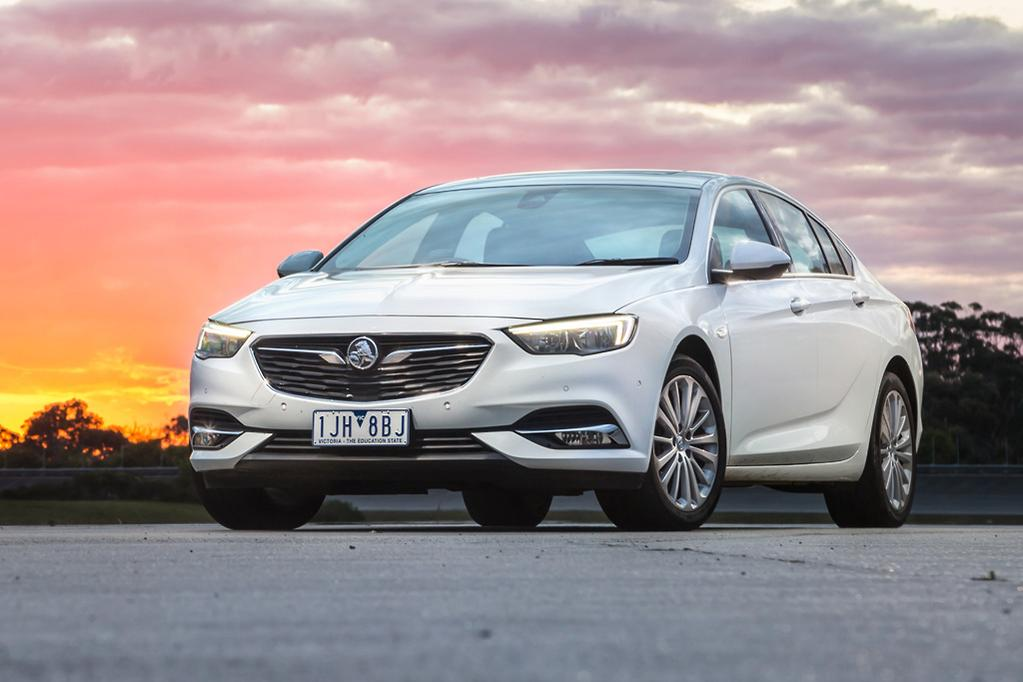 Holden Commodore 2018 Review - www carsales com au