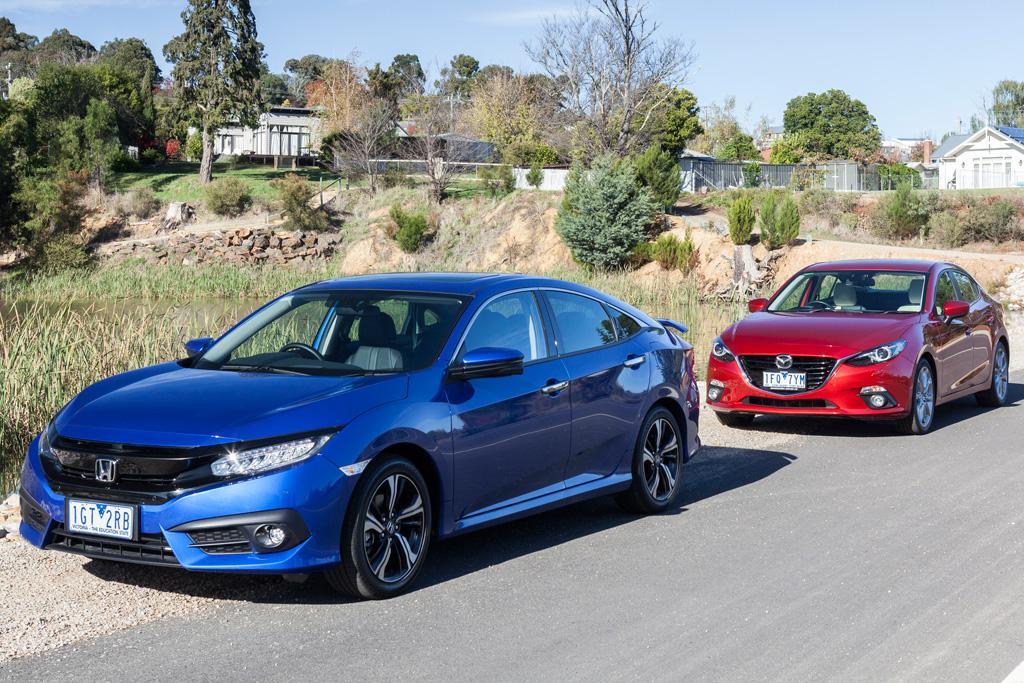 Honda Civic RS v Mazda3 SP25 GT 2016 Comparison - www carsales com au